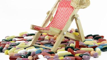 Krank unter Palmen - Wenn man im Urlaub erkrankt © Schlierner, fotolia.com