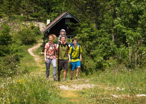 Wandern in der Lipizzanerheimat © Mathias LIxl, JUFA Hotels